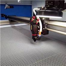 激光雕刻切割機 鐳鋒生產廠家直銷數控布料激光切割機
