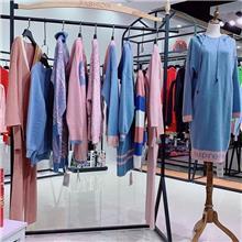 朴庄女装淘宝品牌折扣店为那么便宜山东的尾货市场森绿羊皮连衣裙
