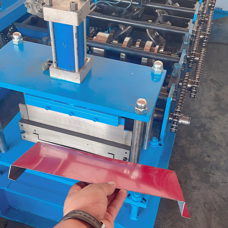 定制 道路护栏板设备 机械围挡板设备 新型屋顶墙板生产机器 质量可靠