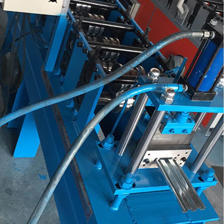 托盘机 钢制托盘设备 供应 货架金属托盘压型机 质量优良