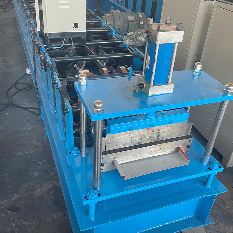 生产 新型围挡设备 彩钢板成型设备 机械围挡板设备 型号多样