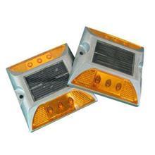 塑料太阳能道钉_LED铸铝道钉_反光道钉_鲁宁|厂家直销