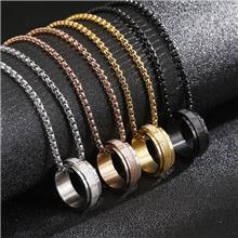 卡轮饰品批发个性创意男士六字真言梵文宗教钛钢可转动项链可定制