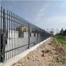 80立柱隔离加防护再加装饰锌钢护栏