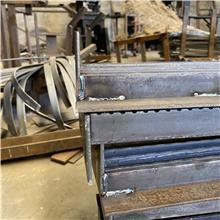 踏步板 踏步板订做生产  钢格板钢格栅 平台钢格栅板