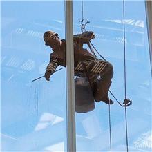 淮安玻璃幕墙保洁 幕墙清洗  洗外墙玻璃的公司 高空清洗玻璃幕墙 玻璃幕墙清洗方案