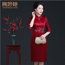 年轻喜婆婆婚宴装改良版旗袍连衣裙 红色妈妈装夏季厂家批发定制