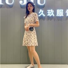 连衣裙女新款 - 2021夏季女装连衣裙新款大码中长款 三宅褶皱连衣裙批发