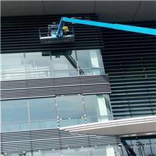 泰兴标准外墙清洗收费 外墙清洗报价 风电塔筒清洗 彩钢瓦翻新工程 费用玻璃幕墙清洗