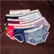 中腰光面石墨烯150斤东北XL女士内裤 绸缎柔软舒适透气三角裤棉裆