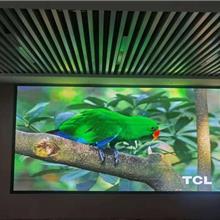 上门安装一起大众汽车展厅LED全彩小间距P1.667显示屏
